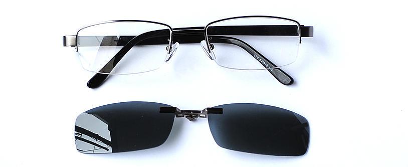 Vorschaubild von Kastenförmige Brille mit Sonnenclip